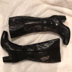 Black leather Born boots